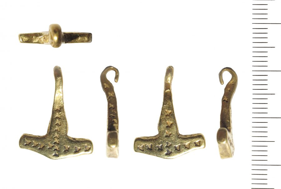 A gold hammer-shaped pendant or Thor's hammer from Lincolnshire