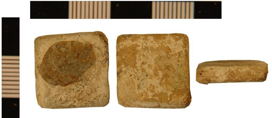 A square lead-alloy weight found in Durham-on-Trent, Nottinghamshire. (c) Portable Antiquities Scheme, CC BY-SA 4.0