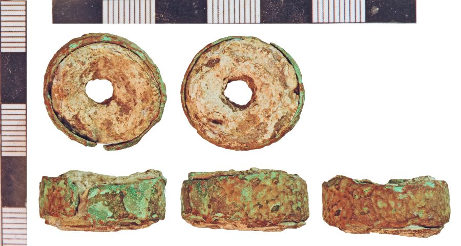 A circular weight edged with a copper-alloy band found in Market Rasen, Lincolnshire. (c) Portable Antiquities Scheme, CC BY-SA 2.0